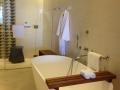 bathtub hyatt zilara jamaica.jpg