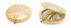L'Oreal Golden Compact