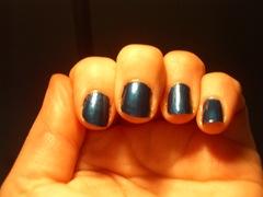 Blue nail polish trend