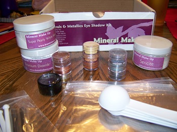 Bramble Berry Mineral Makeup Kit