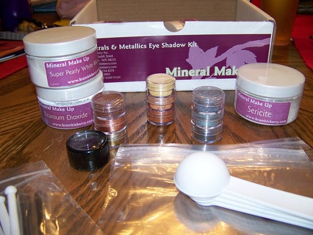 Mineral Makeup Kits From Bramble Berry