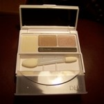 DHC Eye Shadow Palette and Eye Shadow Brush