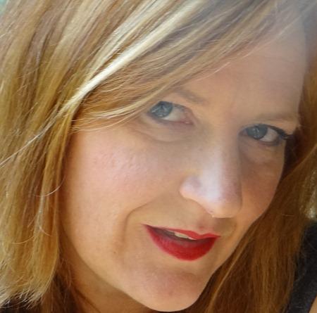 Revlon Matte Red Look