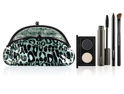 Holiday MAC Fabulousness Primped Out Eye Look Bag Drama Taupe
