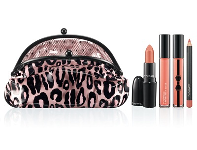 MAC Fabulousness Primped Out Lip Look Bag Lavish Coral