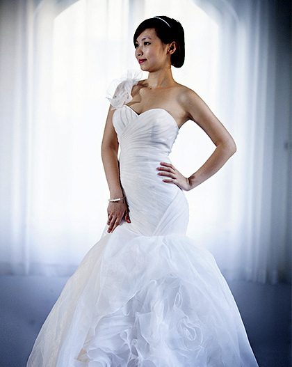 wedding dress for a curvy woman