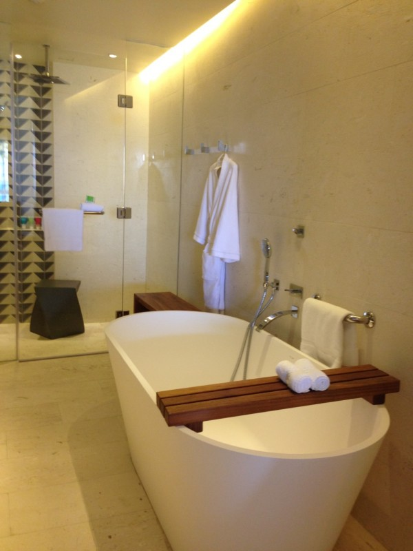 bathtub hyatt zilara jamaica